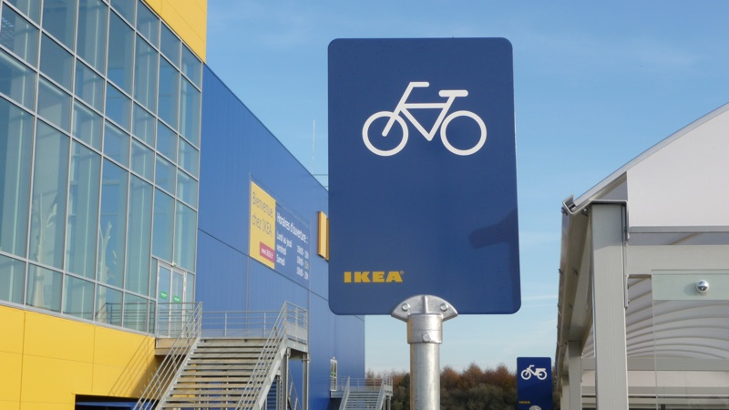 ikea et caen la mer se moquent des cyclistes d railleurs. Black Bedroom Furniture Sets. Home Design Ideas